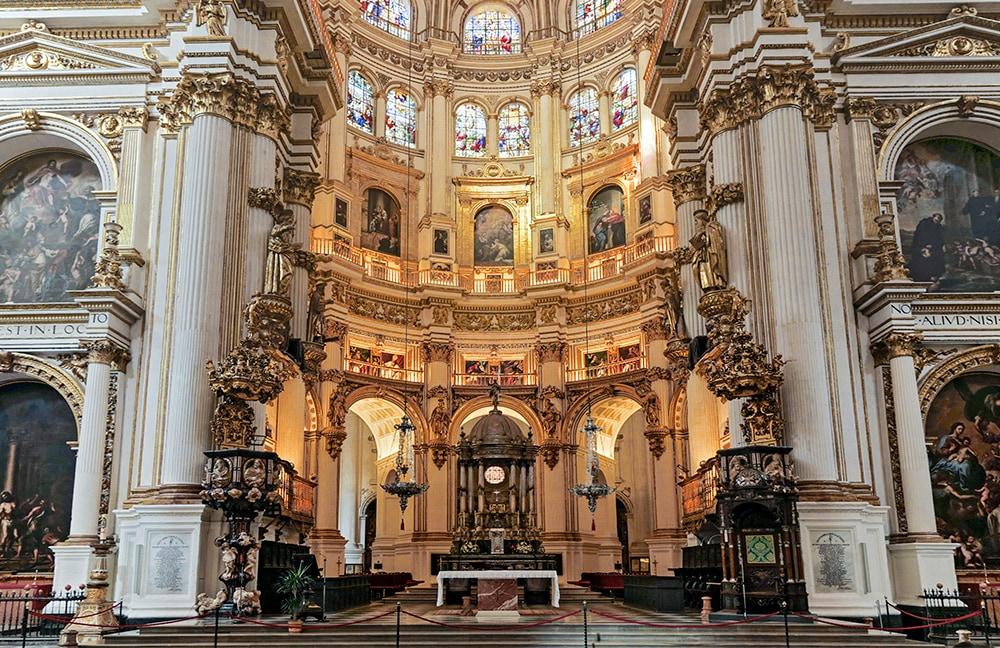 Descubrir los interiores de la Catedral y la Capilla Real de Granada