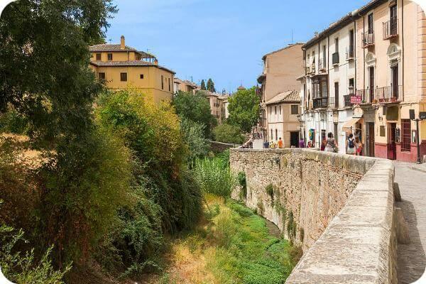Paseando Granada: Itinerarios guiados