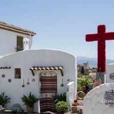 La tradición de las Cruces de Mayo en Granada