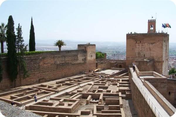 Resultado de imagen de barrio castrense alhambra