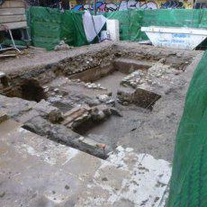 Aparecen restos de una estructura defensiva en el centro histórico