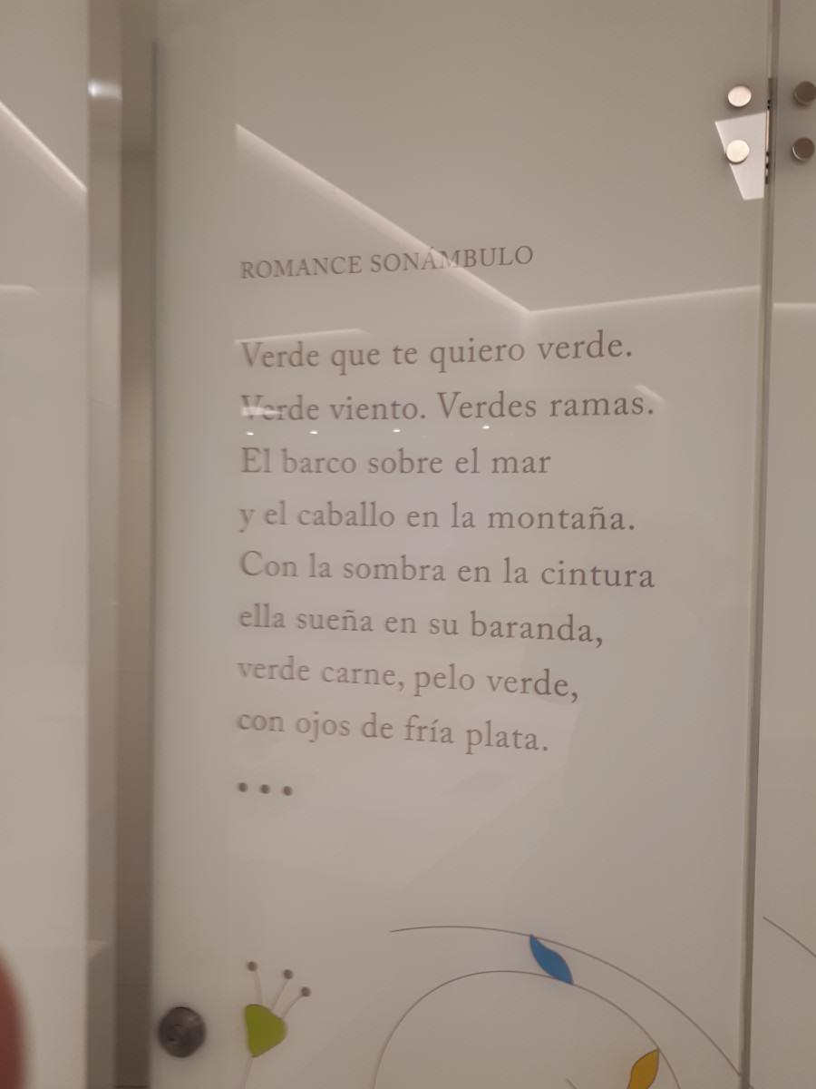 Federico García Lorca homenajeado en el aeropuerto de Granada: romance sonámbulo