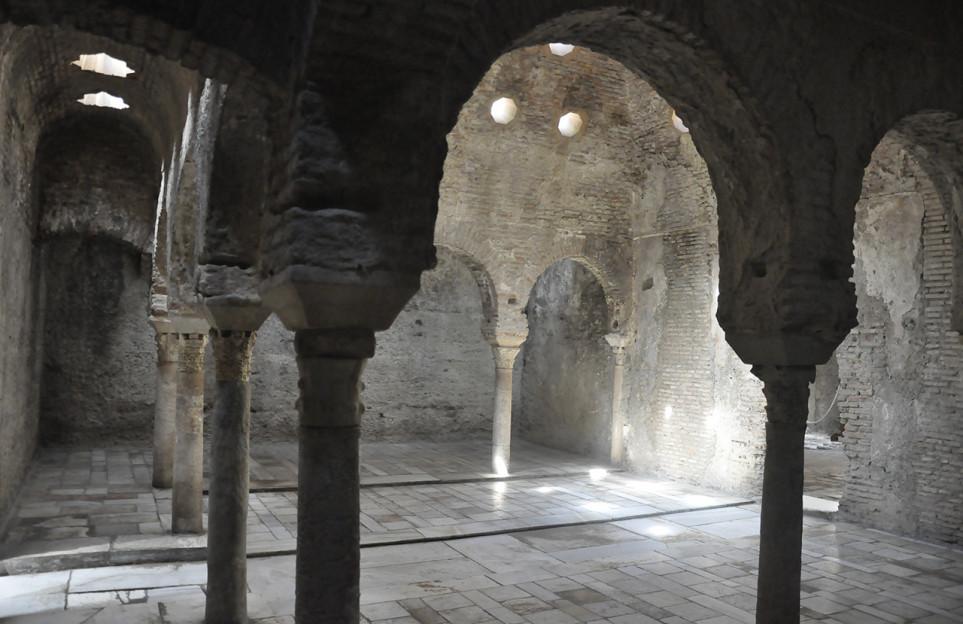 Día completo en Granada. Visita la Alhambra y los monumentos de la Dobla de Oro en un grupo reducido premium
