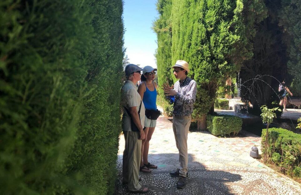 Alhambra Experiences: 2 days guided tour