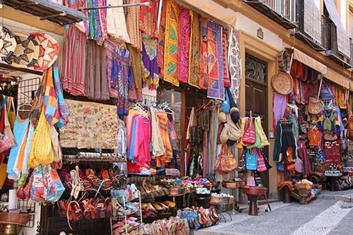 Alcaiceria streets in granada