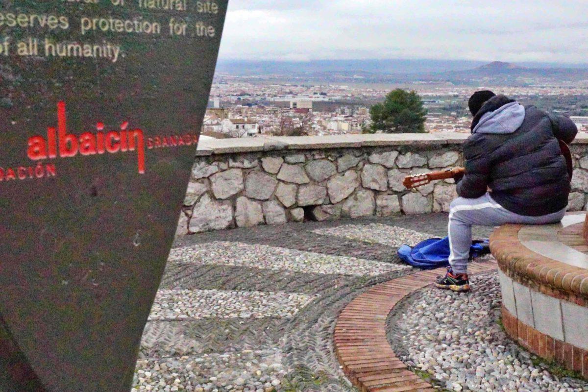Flamenco guitar player in the San Cristobal viewpoint